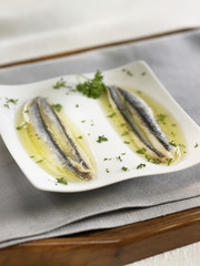 boquerones : marinated anchovies