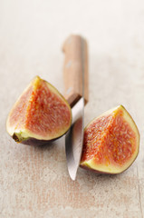cutting a fig