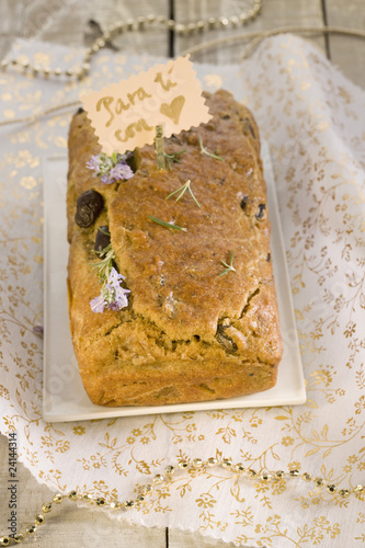 spelt flour,smoked tofu,black olive and rosemary savoury loaf cake