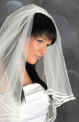 Portrait of an young atrractive bride in wedding dress
