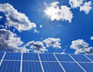 Solar Kraftwerk. erneuerbare, alternative Sonnenenergie