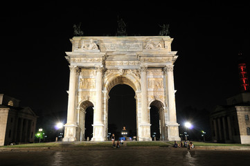 Arco della Pace a Milano dopo il restauro