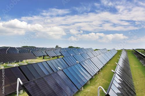 Leinwanddruck Bild Solarthermische Großanlage
