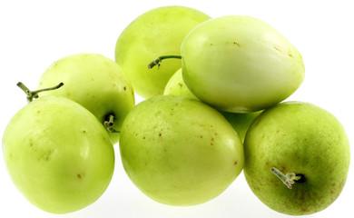 des jujubes, ziziphus jujuba, fruits des tropiques, fond blanc