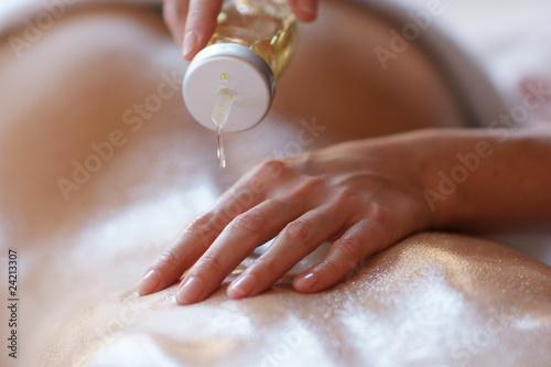 Massage Körper einölen - 24213307