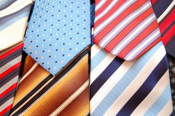 мужские галстуки в магазине