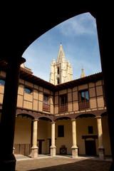 Palacio episcopal en Leon, Castilla y Leon, España