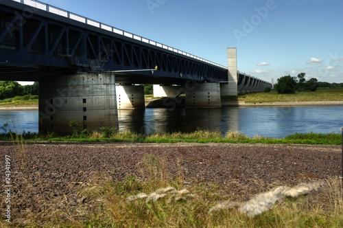Leinwanddruck Bild Kanalbrücke in Heyrothsberge über die Elbe - HDR