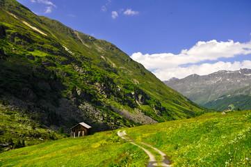 Wanderweg im Ötztal - Österreich