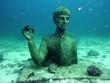 Leinwanddruck Bild - Statue du commandant Cousteau