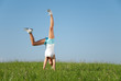 junge frau macht sport in ihrer freizeit