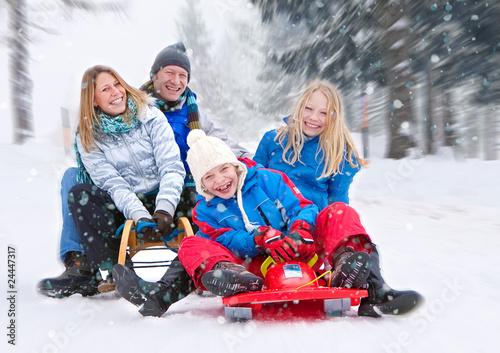 Leinwanddruck Bild family-snow-fun 01