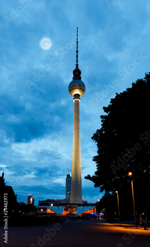 Deurstickers Volle maan Berlin tv tower - fernsehturm at night