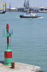 Lighthouse - Faro - rimorchiatore - tugboat