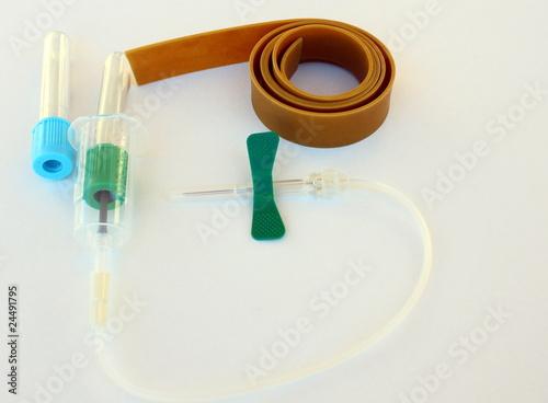 Pr l vement sanguin de patryssia photo libre de droits - Prelevement sanguin sur chambre implantable ...