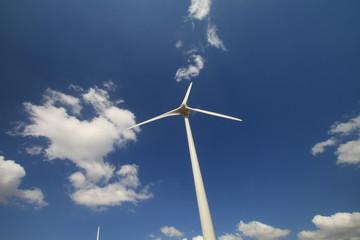 Ciel et éolienne