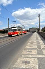Tram sui ponti di Praga