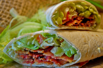BLT low-carb wrap
