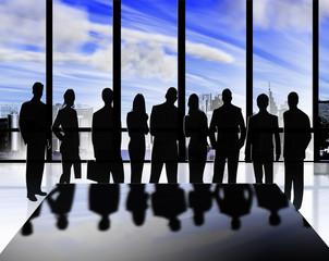 siluetas de hombres y mujeres de negocios