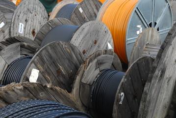 Netzwerkkabel auf Holztrommel