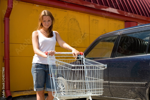 Girl with an empty food cart