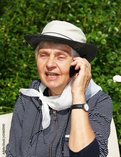 Leinwanddruck Bild Seniorin beim Telefonieren - Senior Phone Call