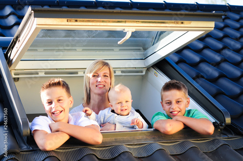 Dachfensterfamilie 240810