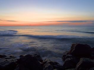amanecer en el mar mediterraneo