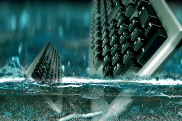 tastiera in acqua
