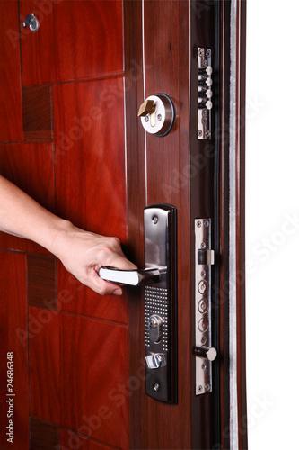 металлическую дверь в день заказа