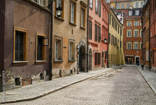 Tenement house at Warsaw's Old City © Slavko Slavcic