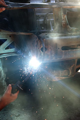 Welding  metal  smoke  sparks