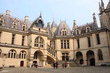 La cour du chateau de Pierrefonds