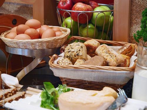 Leinwandbild Motiv gesund frühstücken