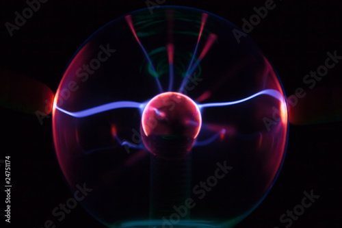 tesla lightning from plasma ball