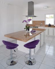 helle und freundliche Küche