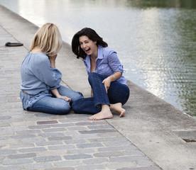 deux jeunes femme détente et plaisir