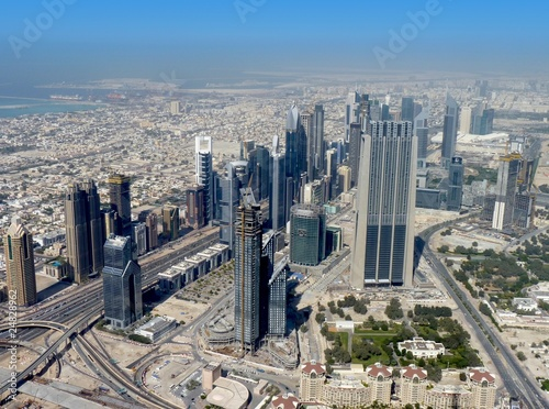 Foto Spatwand Dubai Dubai Skyline mit blauem Himmel