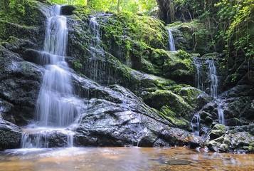 Cascadas en el rio profundo,villaviciosa,Asturias,España