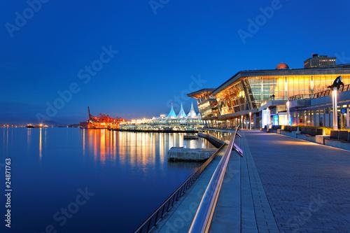 Vancouver Coal Harbour mit Blick auf Canada Place
