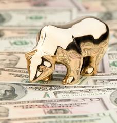 Dollar Geldscheine mit Bulle und Bär