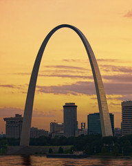 Colorful sunset at the Saint Loius Missour Gateway Arch