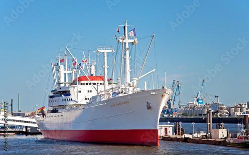 Leinwanddruck Bild Das Museumsschiff Cap San Diego im Hamburger Hafen