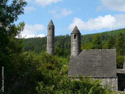 Eglise et tour Glendalough