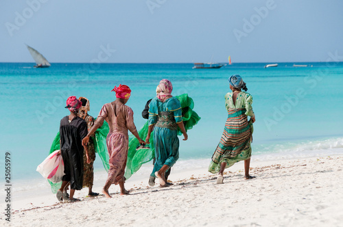 Foto op Canvas Zuid Afrika Women from Zanzibar