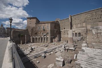Roma, il foro di Augusto, veduta parziale