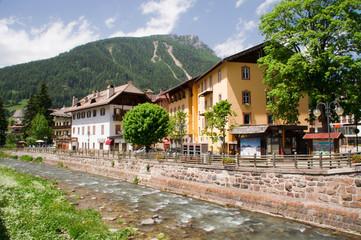 Fluss Bach Bergbach Bergfluss Flussbett Kanal Gewässer