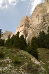 Steilwand Felsen Kletterwand steil hoch Stein alpen dolomiten