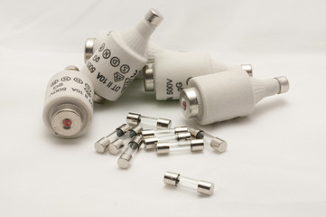 Fusibles, componentes eléctricos.