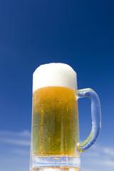 夏空と生ビール